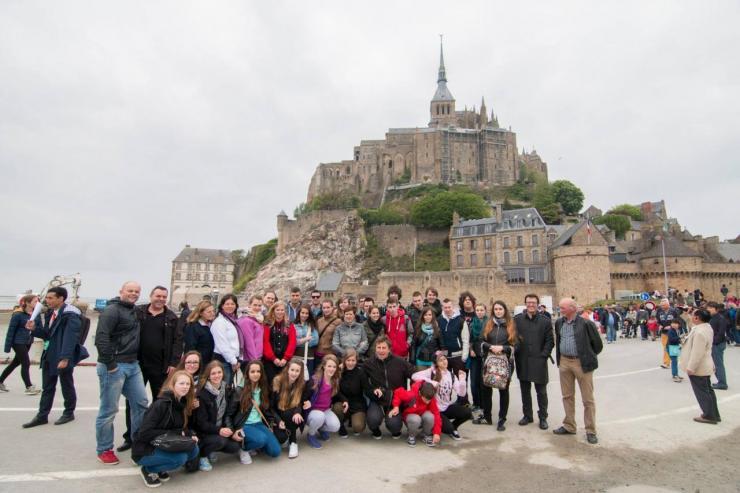 Groupe des participants à l'Europa Festival au Mont St Michel